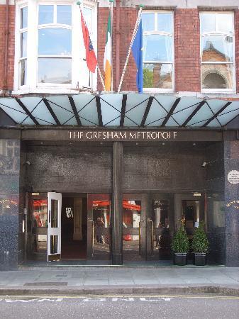 The Metropole Hotel: Entrance