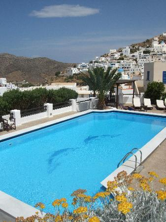Avanti Hotel : the pool