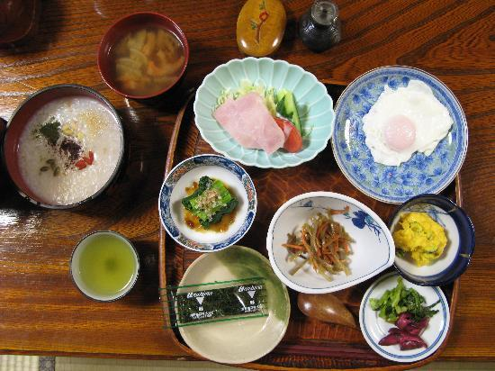 Sanrakuso's divine breakfast spread
