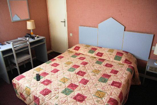 Hôtel Du Soleil Bleu : vue chambre 1