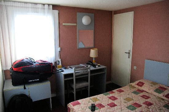 Hôtel Du Soleil Bleu : vue chambre 2