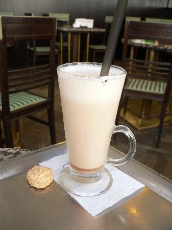 Grand Cafe Orient: cappuccino freddo (CZK 68)