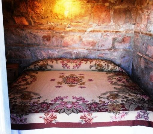 Valley of the Gods Bed and Breakfast: cool and comfortable bedroom