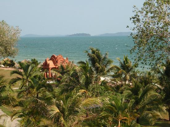 Sokha Beach Resort: Balcony view of the private beach