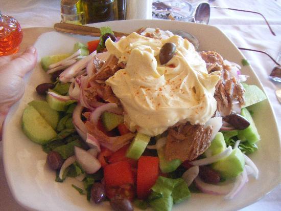 Tassos Apartments: Tasty Salad
