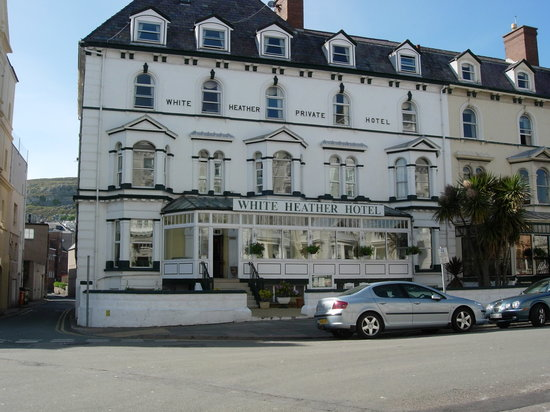 White Heather Hotel: Front elevation only one minute from seafront