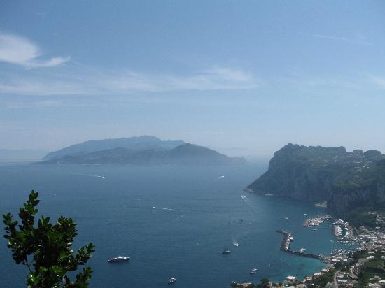 Hotel Dania: views from Capri