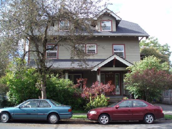 Portland International Guesthouse: The house