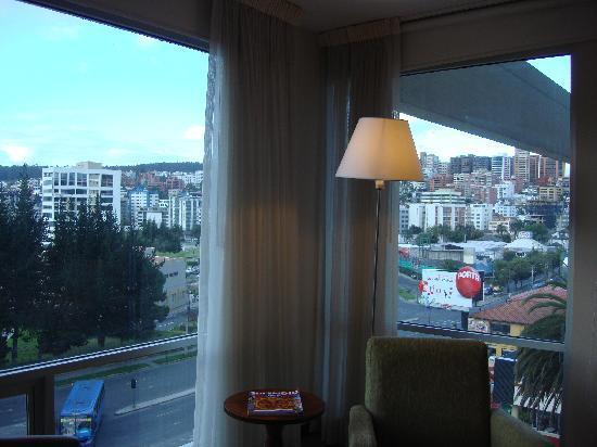 Holiday Inn Express Quito : incredible view of quito from my room