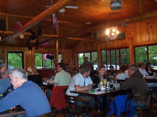 Big Tub Harbour Resort : Three Men in the Tub - Bootleggers Cove Pub