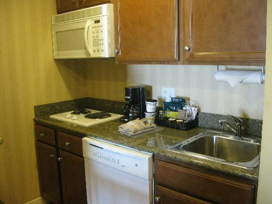 Homewood Suites Houston near the Galleria: Kitchenette with full size fridge