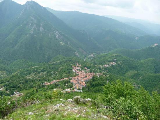 Buca Di Baldabo': Le village de Vico Pancellorum où se trouve le restaurant