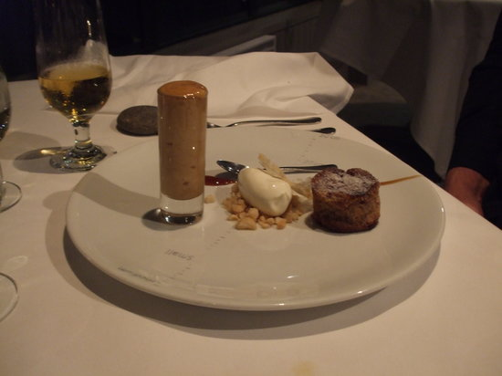 Martin Bosley's Yacht Club Restaurant: Dessert