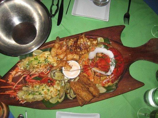 Vila Chaumieres Restaurant: Our Seafood Platter