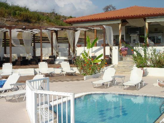 Ampelia Hotel: pool