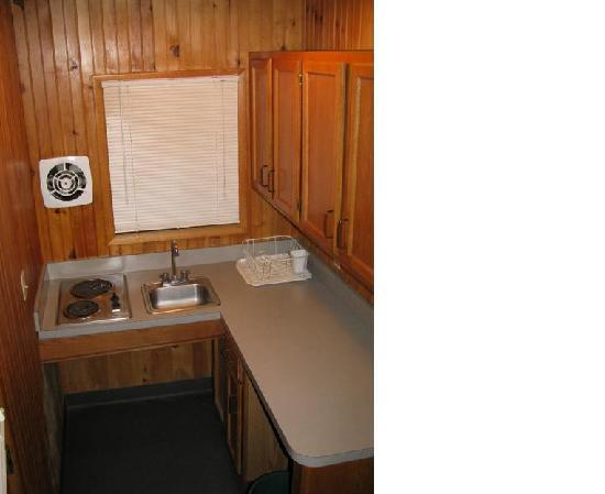 Killens Pond Campground: Camper Cabin, Kitchen, Killens Pond State Park