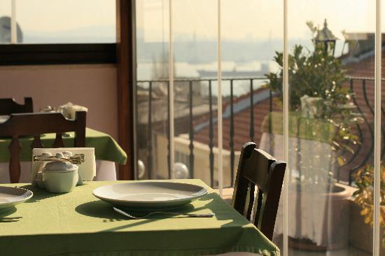 Osmanhan Hotel: Blick von der Terrasse