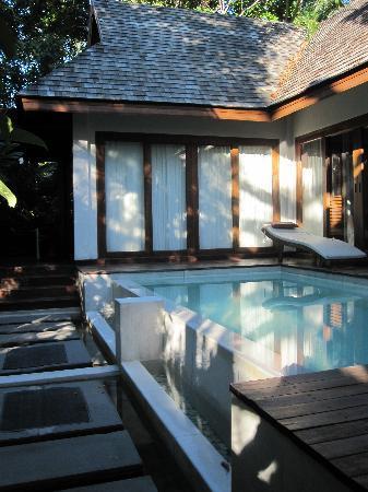 Zara Beach Resort: Spill over plunge pool