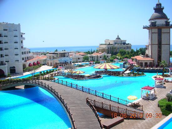 Mardan Palace: der Pool ist ca. 300m lang