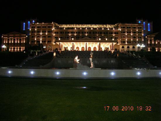 Mardan Palace: Die Ansicht bei Nacht.