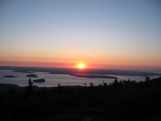 Southwest Harbor, ME: Incredible Sunrise at 4:45 am.