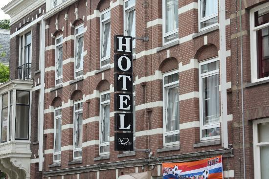 Nicolaas Witsen Hotel: Hotel front street side