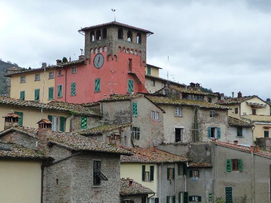 Il Mulinaccio: Ville de Loro Ciuffenna