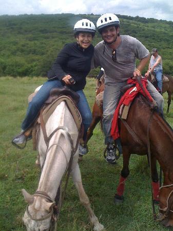 Tropical Suites : horseback rising w treasure cove ranch