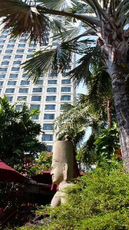 Sheraton Grande Sukhumvit, A Luxury Collection Hotel: ...und trotzdem mittendrin