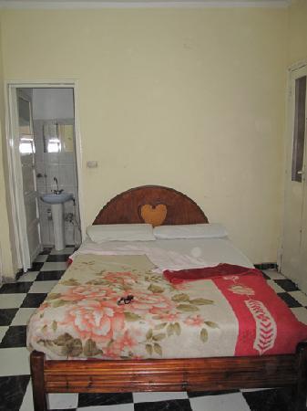 Venus Hotel : Zimmer mit Bad