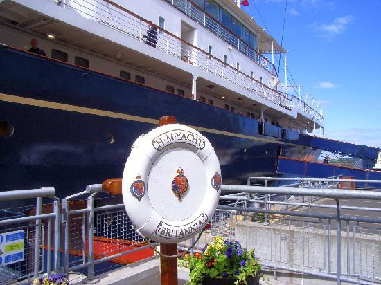 Royal Yacht Britannia: Die Britannia liegt am Ocean Terminal im Edinburgher Hafen Leith