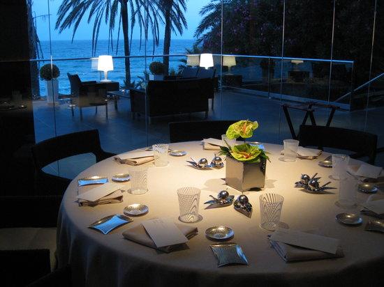 Calima : sala con vista a la terraza