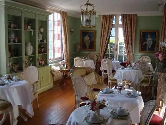 Hotel Villa Josephine : Indoor breakfast room