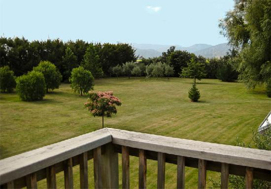 Apresto Apartment & Homestay: View from the deck