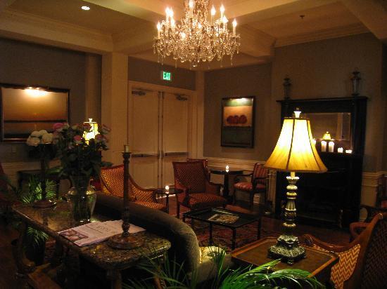 River Inn of Harbor Town: Foyer