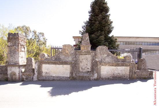 Francavilla di Sicilia, Itália: Epigrafe con le lapidi commemorative