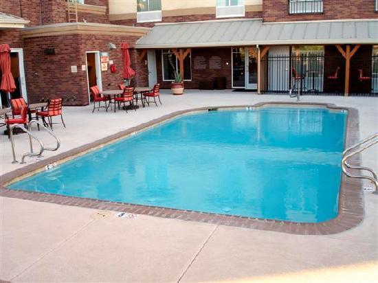 Charming Hilton Garden Inn Yuma Pivot Point: Pool