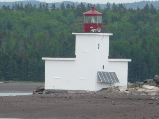 Evangeline's Tower Bed and Breakfast: Parrsboro lighthouse