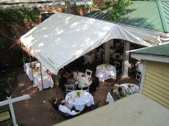 The Smithfield Inn Bed and Breakfast, Restaurant and Tavern: patio set for wedding