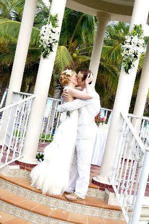 Hotel Riu Palace Riviera Maya Gazebo Wedding