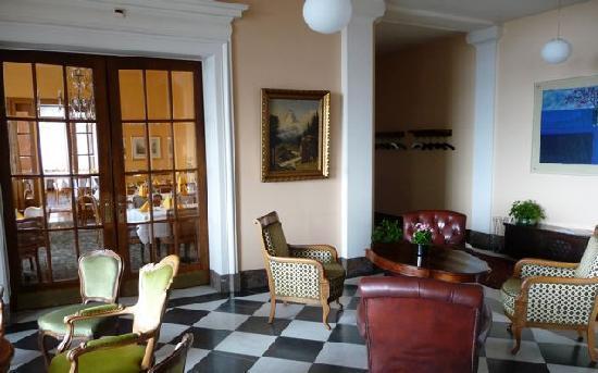 Hotel Royal Luzern: Reception area