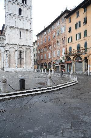 Palazzo Rocchi: piazza san michele