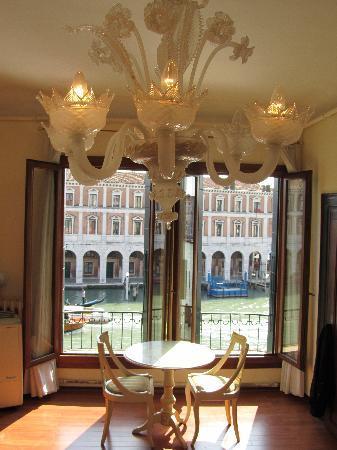 Locanda Leon Bianco: Venetian Elegance - Room With A View