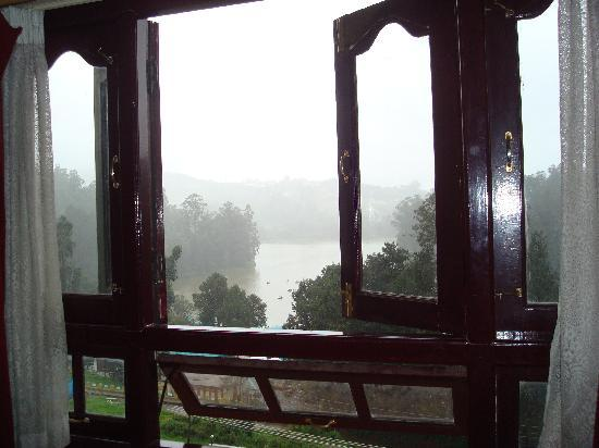 Hotel Darshan Ooty: View of Ooty lake from the my room