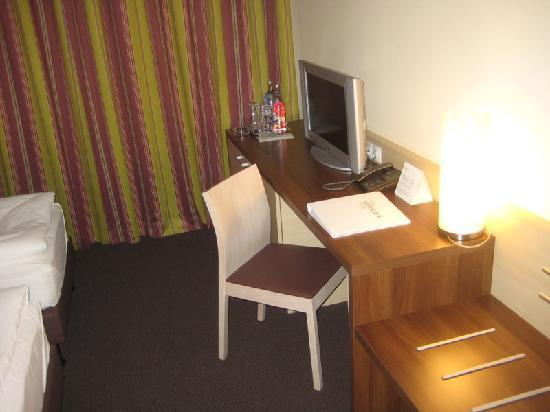 The Gerald's Hotel: Blick in das Zimmer