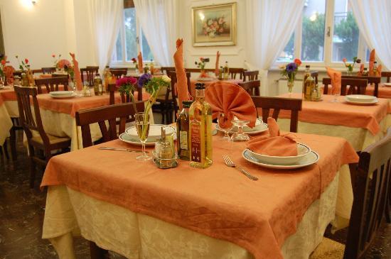 Loano, Italia: sala da pranzo