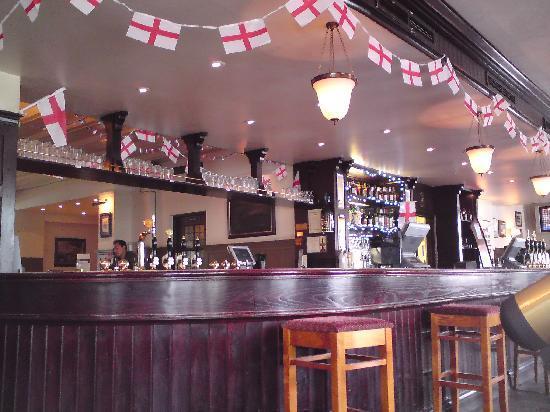 The Fox & Goose Hotel: The bar