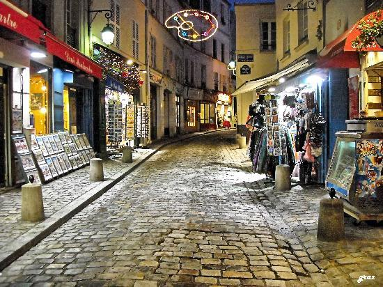 Paris, France: montmartre rue norvins