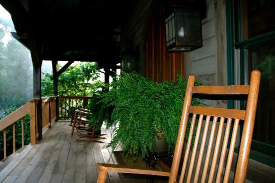 Bent Creek Lodge: Early Morning On The Porch