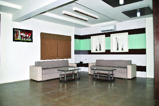 Hotel Platinum: Waiting Area